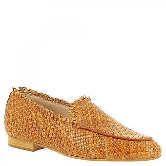 Leonardo Shoes Women's handgemaakte slip op loafers schoenen tan geweven kalfsleer