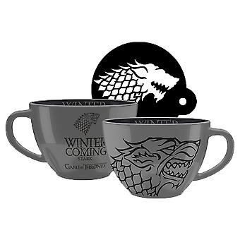 Game of Thrones Cappuccino Tasse Stark Keramik, inklusive Kakao-Schablone aus Polypropylen Füllmenge ca. 630 ml.