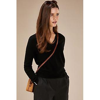 Loop Cashmere V Neck Sweater In Black