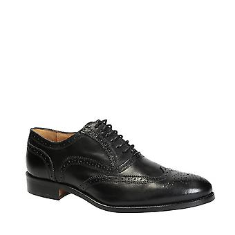 Handmade men's black oxfords shoes in calf leather