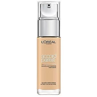 L'Oréal Paris Base de maquillaje Accord Parfait acabado naturlig 2D Amande