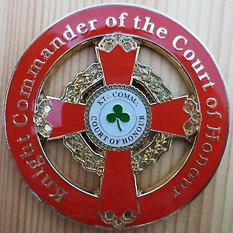 Caballero comandante del emblema del coche de la corte de honor