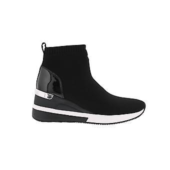 مايكل كورس سكايلر بوتاي الأسود 43F7SKFE5D الأحذية