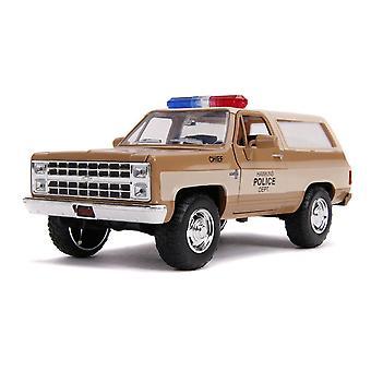 Chevrolet K5 Blazer 1980 Chevrolet K5 Blazer Moulé sous pression SUV Jeep avec badge de police collectors, échelle 1:24