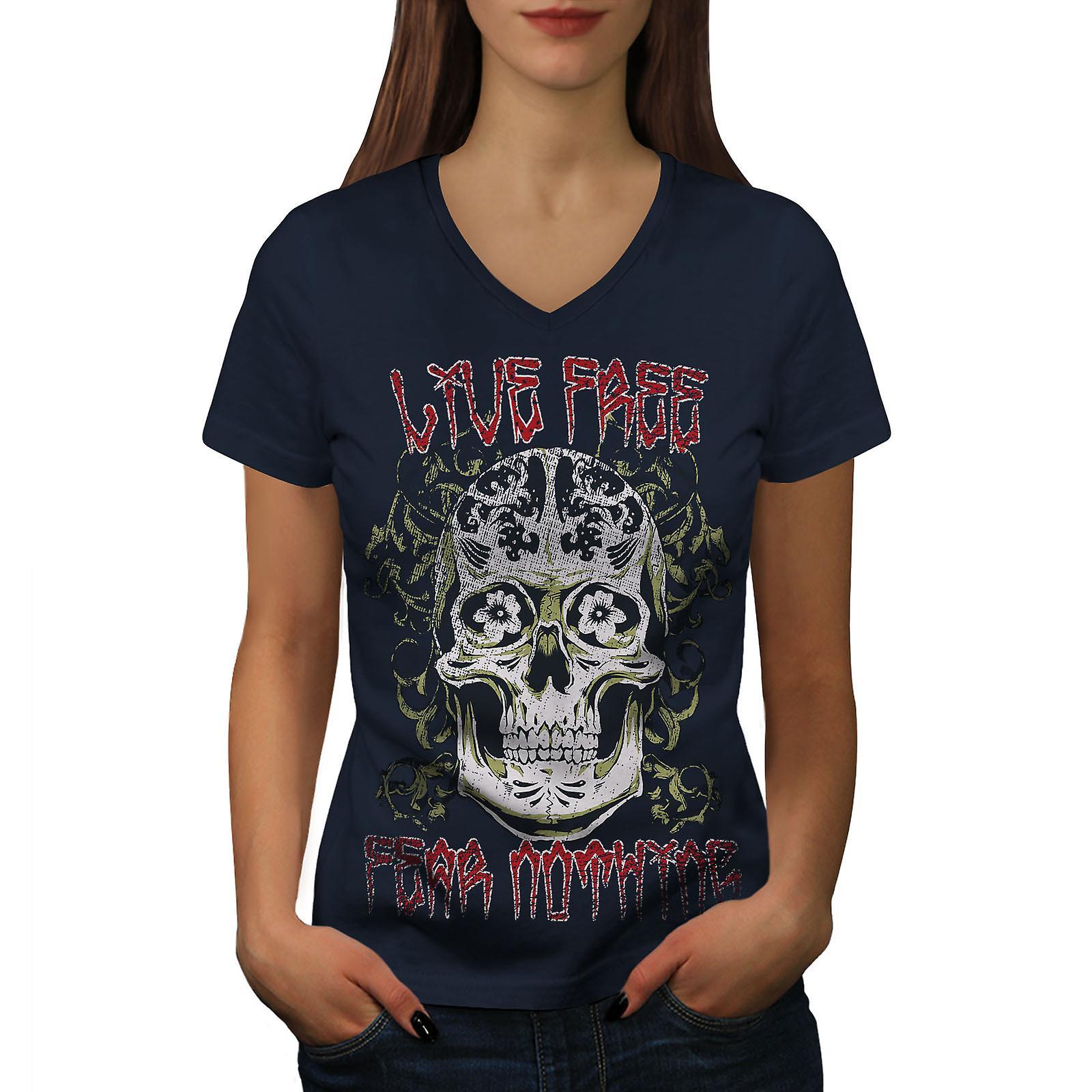 Ne libre vie aucune crainte Skull femmes NavyV-Neck T-shirt | Wellcoda