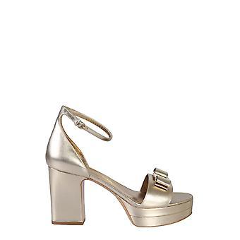 Salvatore Ferragamo 71545801q086 Women's Gold Leather Sandals