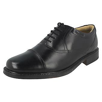 Mens Clarks formele schoenen Bravo Man