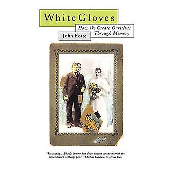 Weiße Handschuhe von Kotre & John