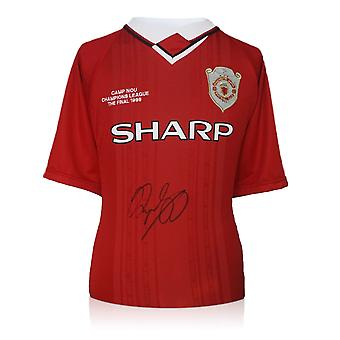 Ryan Giggs allekirjoitti Manchester Unitedin vuoden 1999 Mestarien liigan paidan