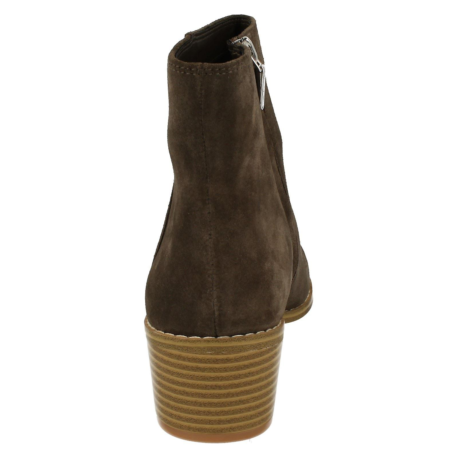 Mesdames Clarks Ranch Style Cheville Bottes Breccan Mythe
