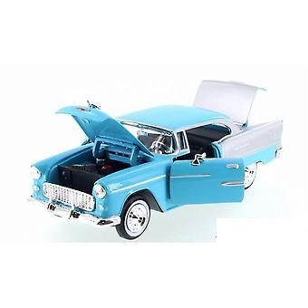 MotorMax American Classics - 1955 Chevy Bel Air Blue & Silver  1:24