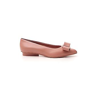 Salvatore Ferragamo 01r252730601 Dames's Nude Leather Flats