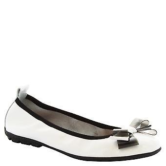 Leonardo Shoes Woman's handmade ballerinas in white calf leather