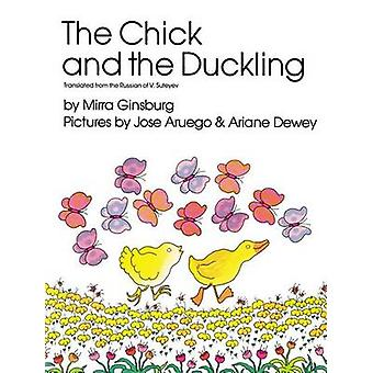 The Chick and the Duckling by Mirra Ginsburg - 9780027359404 Book