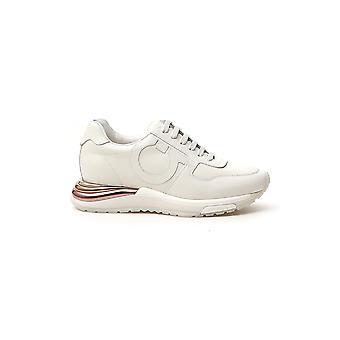 Salvatore Ferragamo 035775736881 Zapatillas de cuero blanco para mujer y apos;s