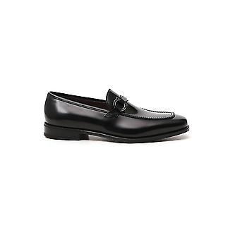 Salvatore Ferragamo 02c493732327 Men's Black Leather Loafers