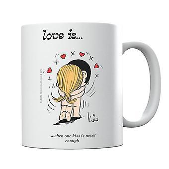 El amor es cuando un beso nunca es suficiente taza