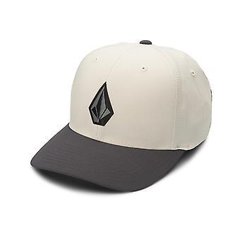 Volcom Stone Tech Xfit Cap en Almendra