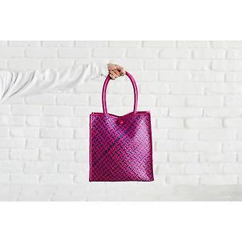 Natürlich gefärbt und liebevoll handgewebt - Einkaufstasche