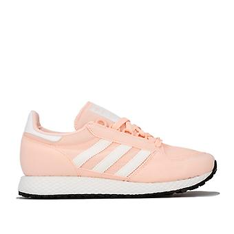 Girl's adidas Originals Junior Forest Grove Trainer in Pink