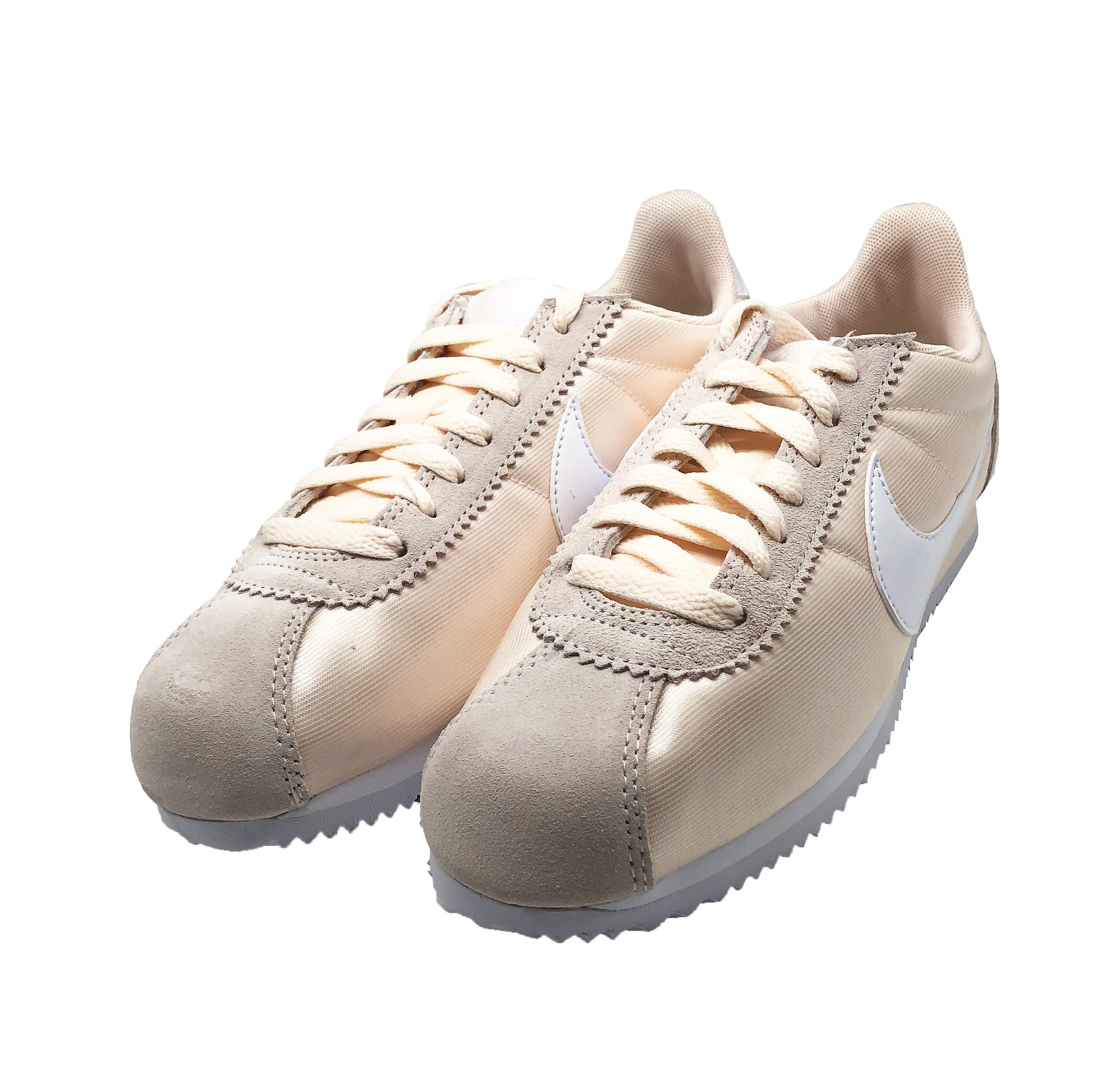 Nike Classic Cortez Nylon 749864 803 Womens Trainers