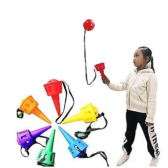Sensorische integratie trainingsapparatuur, kinderen gooien en vangen van de bal, kleuterschool
