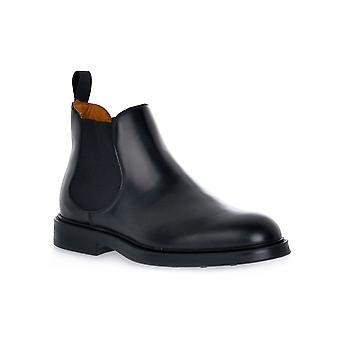 Frau poncho black shoes