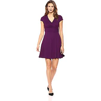Lærke & Ro Kvinder & s Cap Sleeve Faux Wrap Fit og Flare Dress, Pinot, Medium
