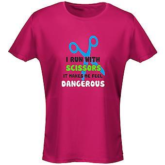 Jag kör med sax det gör mig känns farliga roliga Womens T-Shirt 8 färger av swagwear