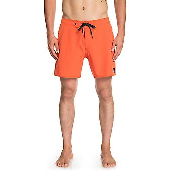 Quiksilver Highline Kaimana 16 Kurze Boardshorts in Tiger Orange