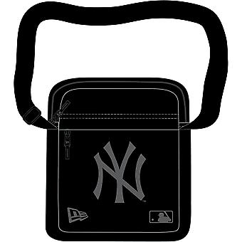 New Era MLB Side Bag ~ New York Yankees black