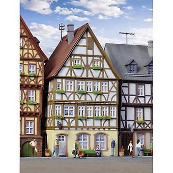 Kibri 38903 H0 Half-timbered huis op de markt in Miltenberg