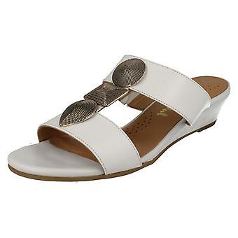 Senhoras Van Dal verão baixa Cunha sandálias Epsom
