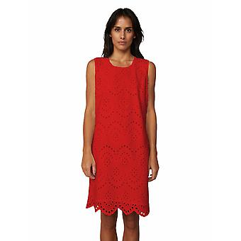 Shuuk Elegant Broderie Anglaise Dress for Women with Exquisite Scalloped Hems