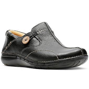 كلاركس أون حلقة حذاء الجلد الأسود