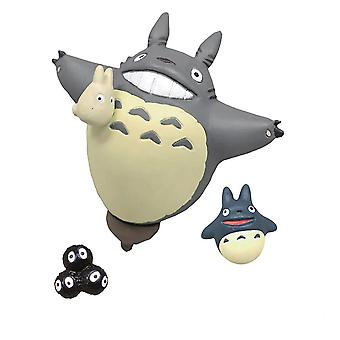 My neighbor Totoro Mini Magnetset Ride on Wind 3-piece, made of PVC and metal.