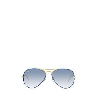 Ray-Ban RB3025JM ljusblå på legend unisex solglasögon