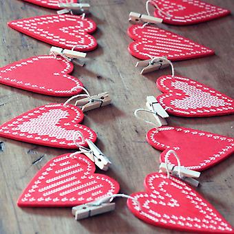 Gisela Graham Christmas Card Holder Red Wooden Heart Bunting Garland