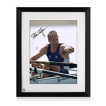 Steve Redgrave underskrev roning Photo: Five time Olympic Champion. Indrammet