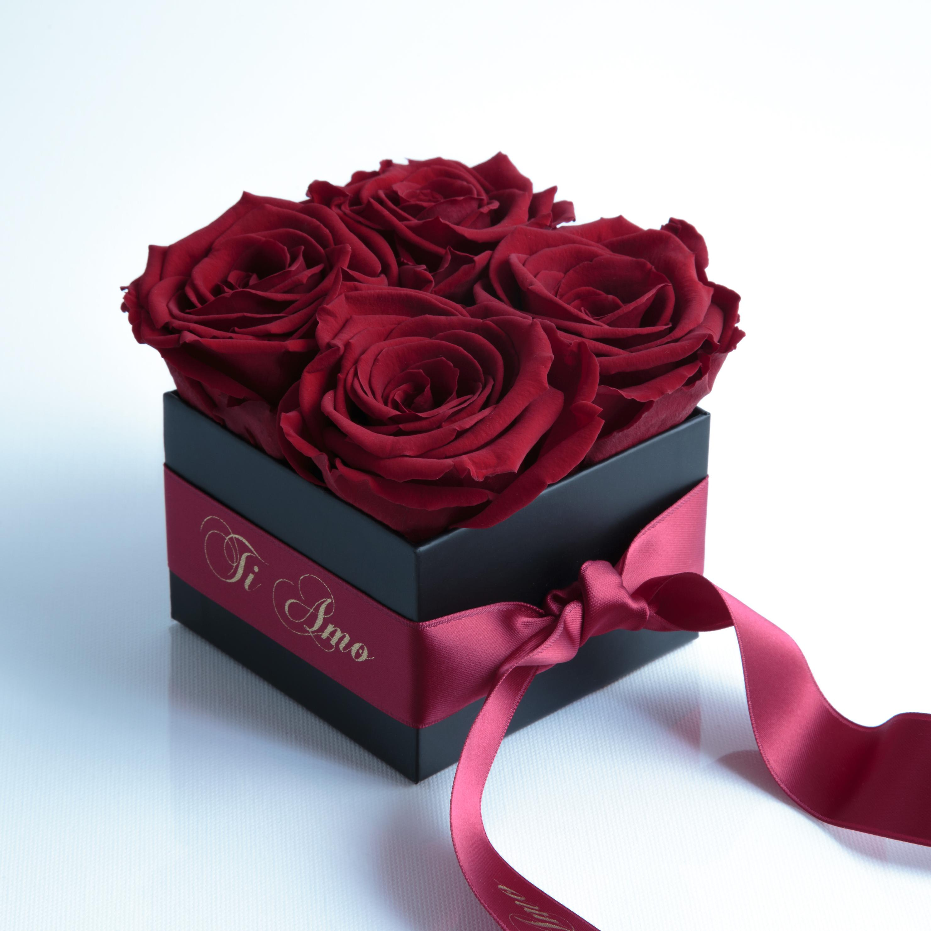 Dark red and satin ribbon roses preserved TI AMO box with 4 shelf life 3 years