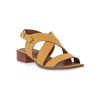 Grunland gula l6fati sandaler