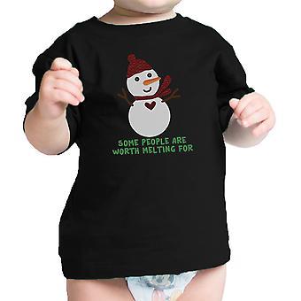 Vale la pena di fusione di pupazzo di neve Cute Baby t-shirt nera regalo bambino