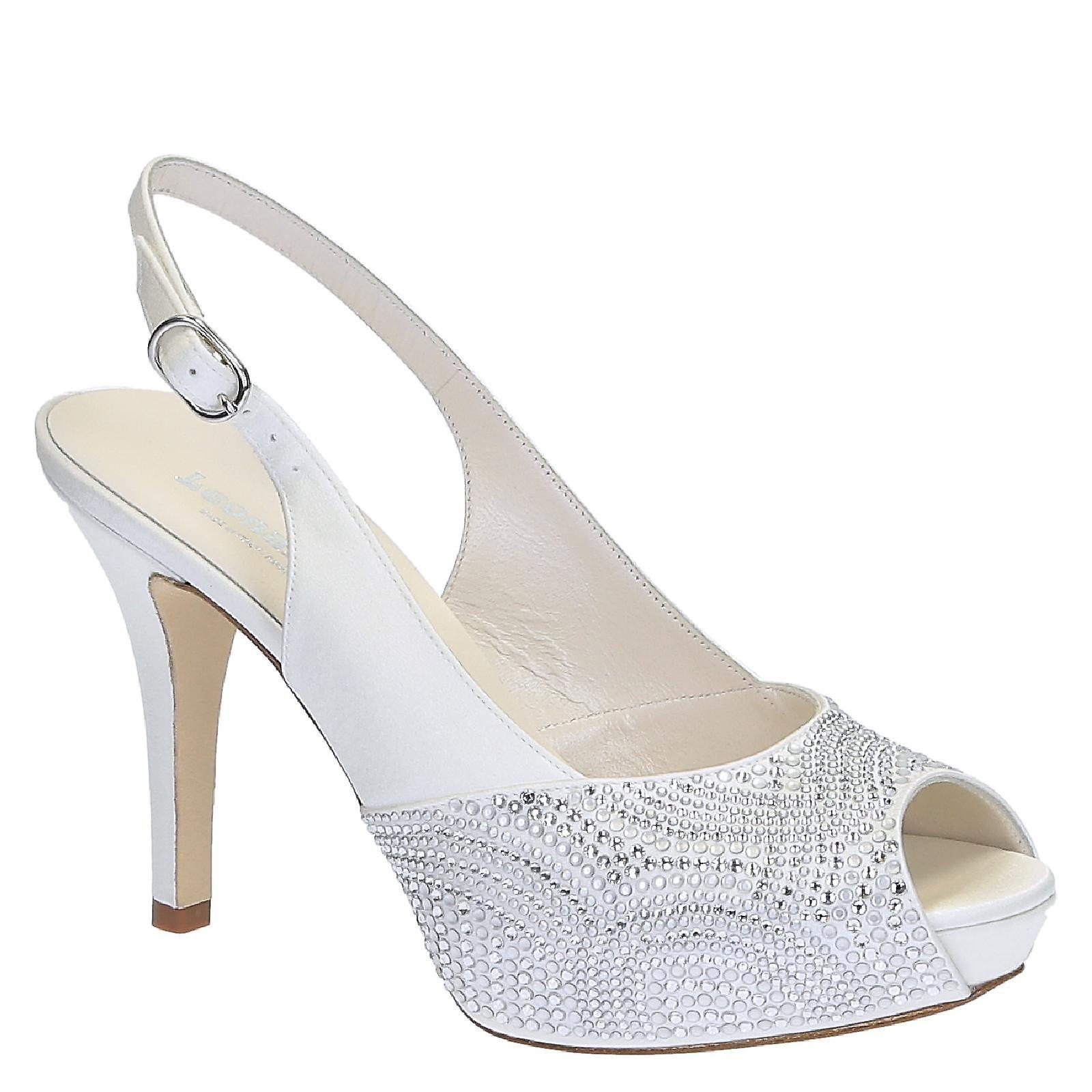 Slingback open toe bride platform sandals in white satin i1StU