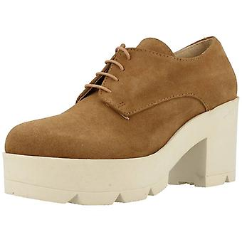 Yellow Shoes Casual Nora Color Camel