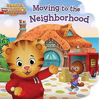 Moving to the Neighborhood (Daniel Tiger's Neighborhood) [Board book]