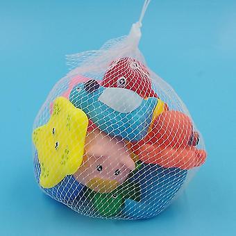 Söpöt eläimet muotoilevat vauvan kylpyammeen