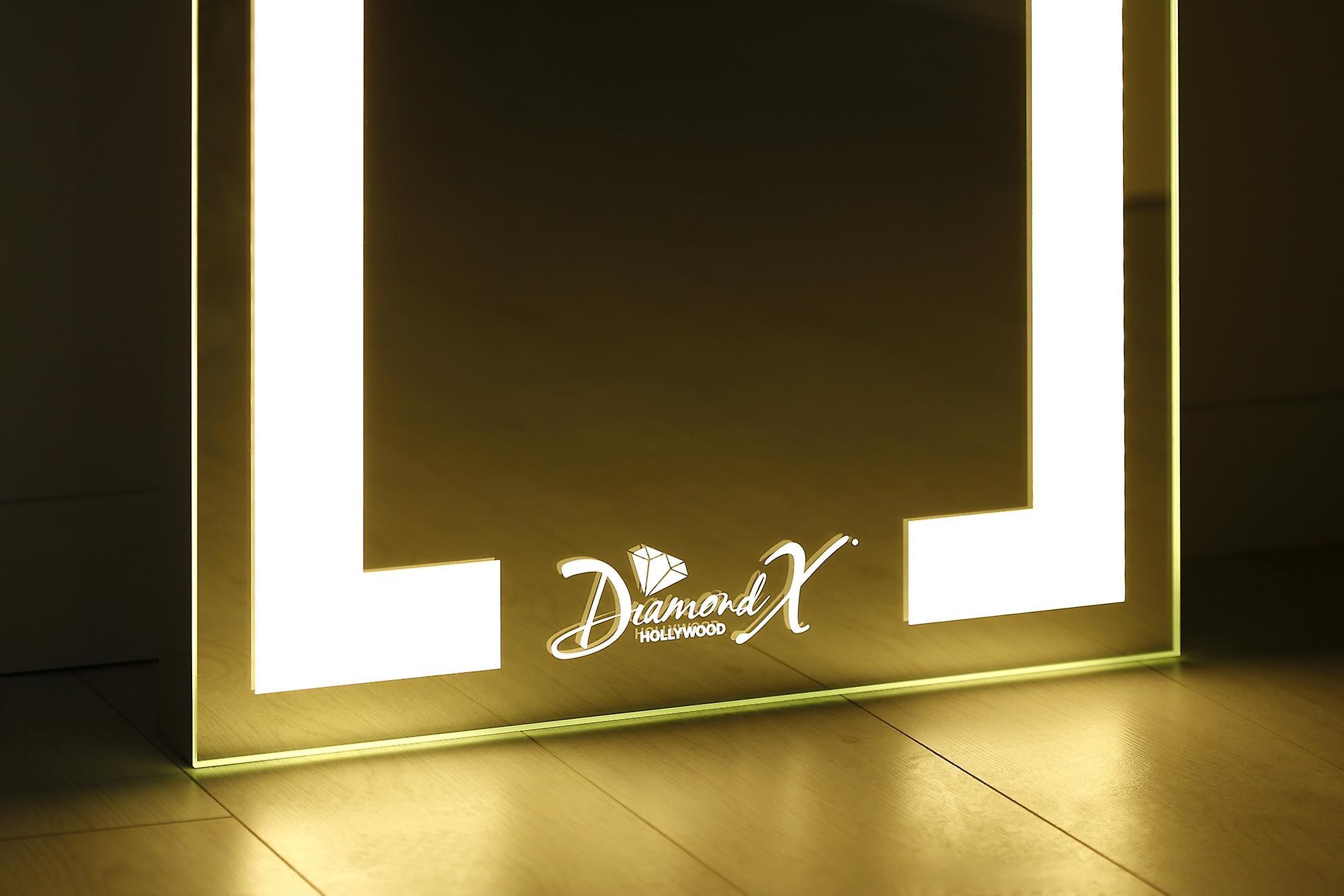 Aleesha Full Length Floor Mirror Avec des LED chaudes et de lumière du jour
