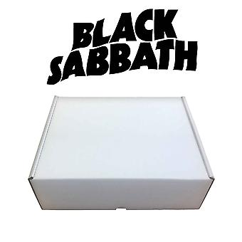 Black Sabbath Lahjasetti Muki ja Merch Bundle uusi virallinen boxed limited stock