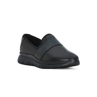 Frau black gloves shoes