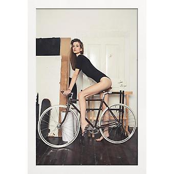 JUNIQE Print -  Muslauf - Modefotografie Poster in Braun & Cremeweiß